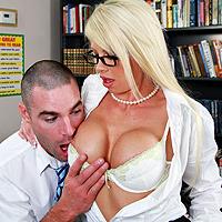 Video porno entre la secretaire et le patron