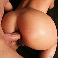 Sexe anale dans le club